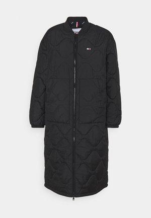 QUILTED COAT - Zimní kabát - black