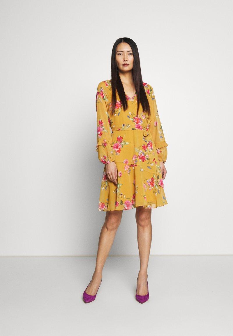 Wallis - FLORAL RUFFLE SLEEVE  - Day dress - mustard