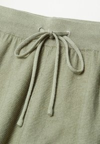 Mango - MILAN - Tracksuit bottoms - khaki - 7