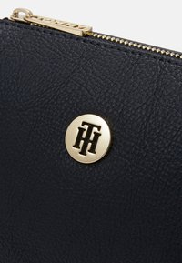 Tommy Hilfiger - CORE CROSSOVER - Across body bag - blue - 4