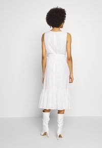 Wallis - BRODERIE TIERED MIDI DRESS - Sukienka letnia - ivory - 2