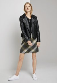 TOM TAILOR - A-line skirt - black yellow check knitted - 1