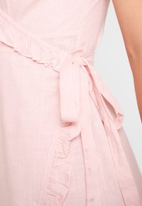 NA-KD - QUEEN OF JETLAG OVERLAPPED FRILL DRESS - Day dress - dusty pink - 4