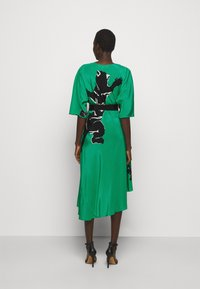 Diane von Furstenberg - ELOISE - Vapaa-ajan mekko - medium green - 2