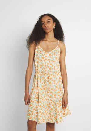 PCNYA SLIP BUTTON DRESS  - Day dress - buttercream