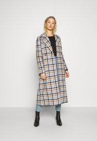 mine to five TOM TAILOR - COAT HOUNDSTOOTH - Classic coat - light blue/camel - 1