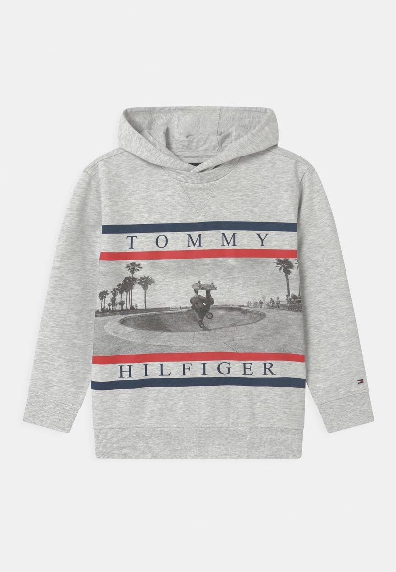 Tommy Hilfiger - HOODIE - Felpa con cappuccio - light grey heather