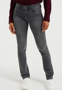 WE Fashion - DAMES  - Slim fit jeans - light grey - 0