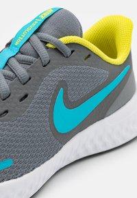 Nike Performance - REVOLUTION 5 UNISEX - Neutral running shoes - smoke grey/chlorine blue/high voltage/white - 5