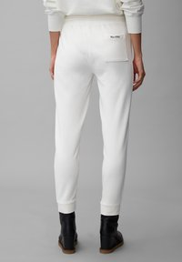 Marc O'Polo - Tracksuit bottoms - off white - 2
