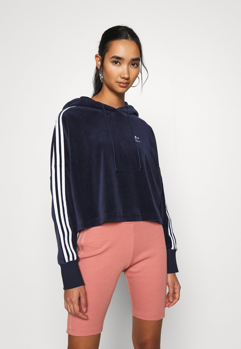 adidas Originals - ADICOLOR SPORTS INSPIRED LOOSE HOODED - Mikina s kapucí - collegiate navy/white
