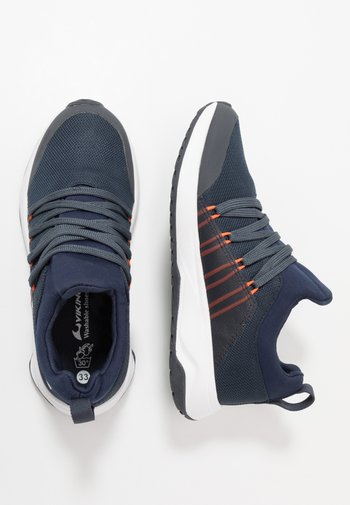 ENGENES GTX - Walking trainers - navy/orange