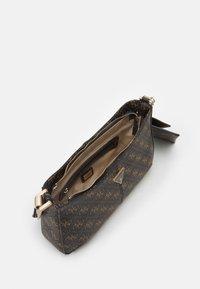 Guess - LAYLA TOP ZIP SHOULDER SET - Handbag - brown - 2