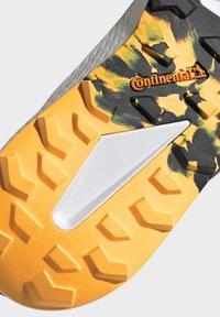 adidas Performance - TERREX SPEED LD TRAIL RUNNING SHOES - Obuwie do biegania Szlak - gold - 10