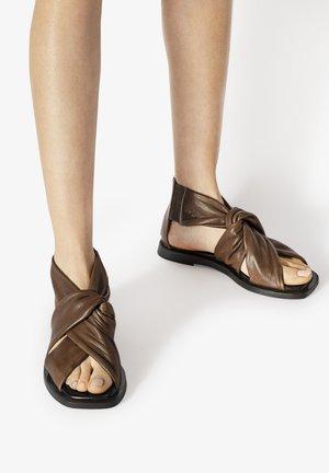 Sandales - dark brown dbn