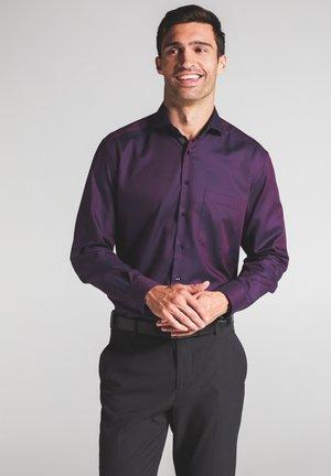 COMFORT FIT - Zakelijk overhemd - dark purple