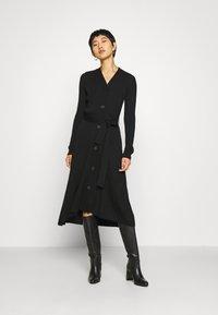 IVY & OAK - Pletené šaty - black - 0