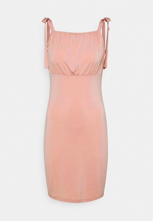 VIAMANDA SHORT STRAP DRESS - Vestido ligero - misty rose