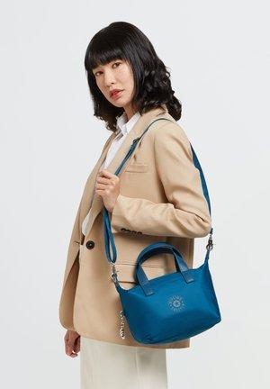 Handbag - warm teal p