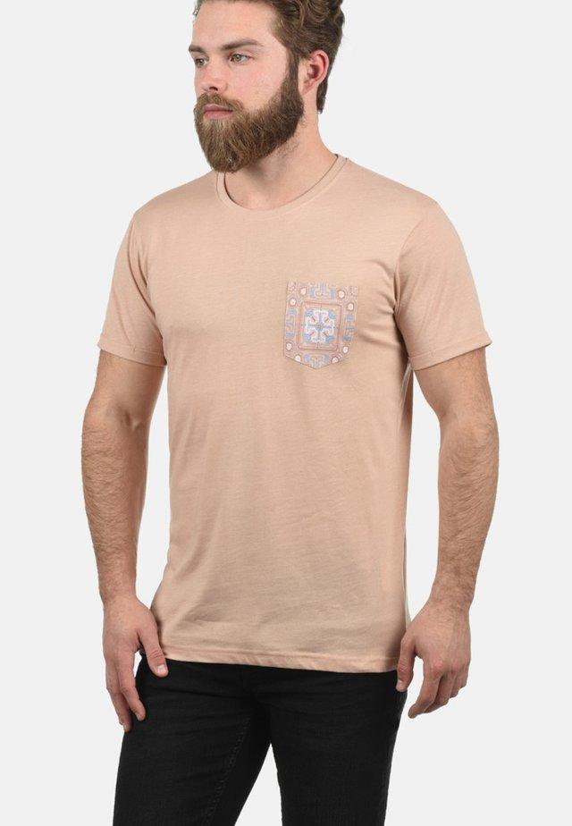 ILARI - Print T-shirt - light pink