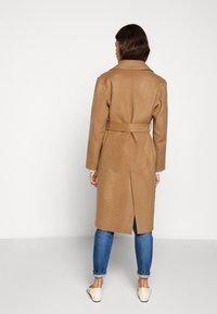 CLOSED - BALE - Zimní kabát - clay - 2