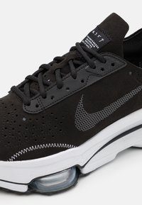 Nike Sportswear - AIR ZOOM TYPE UNISEX - Matalavartiset tennarit - black/anthracite/white - 5