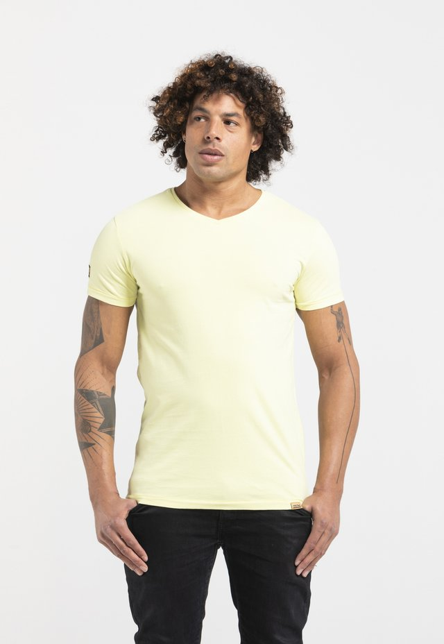 LIMITED TO 360 PIECES - T-shirt basic - yellow