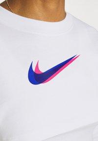 Nike Sportswear - CROP  - Long sleeved top - white - 6