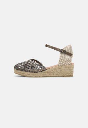 CUCA - Korkeakorkoiset sandaalit - plata vieja