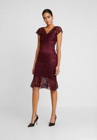 Sista Glam - CALAIS - Cocktail dress / Party dress - berry - 0
