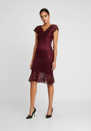 CALAIS - Cocktail dress / Party dress - berry