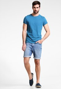 Pier One - T-shirt - bas - petrol - 1