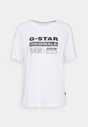ORIGINALS LABEL REGULAR - Print T-shirt - white