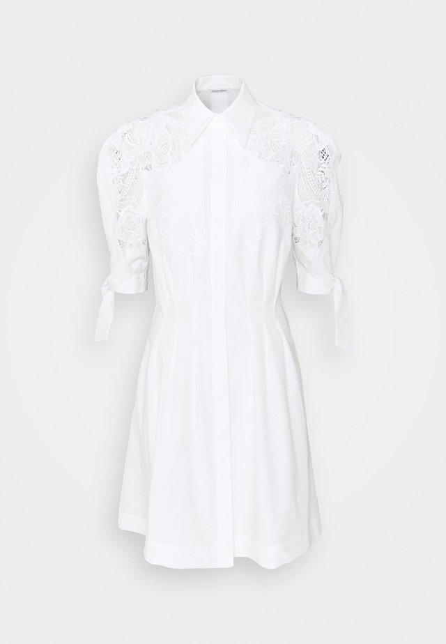 DRESS - Vardagsklänning - white