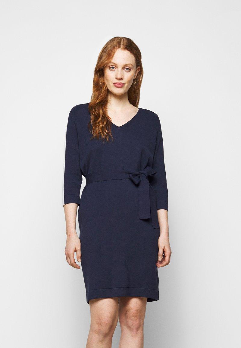 Marella - SESTRI - Pletené šaty - oceano/bianco