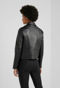 WEEKEND MaxMara - UNICUM - Leather jacket - schwarz - 2
