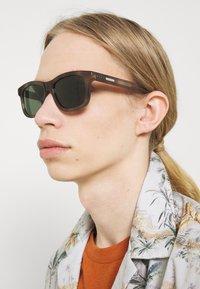 Gucci - UNISEX - Sunglasses - havana/green - 1