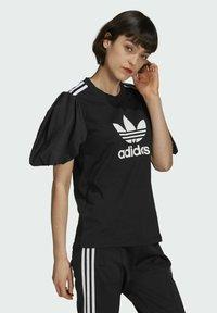 adidas Originals - Print T-shirt - black - 2