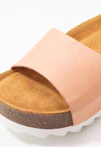 Grand Step Shoes - KALI - Mules - peach - 2