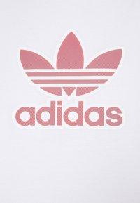 adidas Originals - TREF SERIES TEE UNISEX - T-shirt imprimé - white - 6