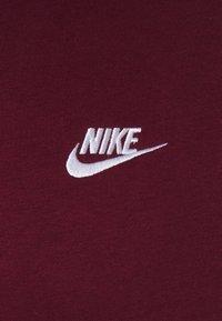 Nike Sportswear - CLUB HOODIE - Jersey con capucha - dark beetroot - 2