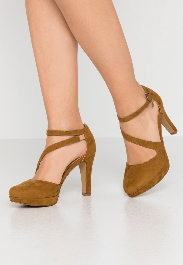 High heels - cognac