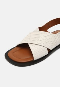Joseph - SINGLE CRISS CROSS - Sandales - white - 7