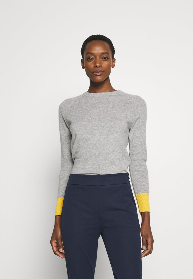 CLASSIC CREW NECK COLOR BLOCK - Stickad tröja - light grey/yellow