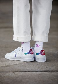 adidas Originals - STAN SMITH - Trainers - footwear white - 4