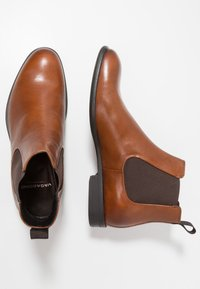 Vagabond - HARVEY - Kotníkové boty - cognac - 1