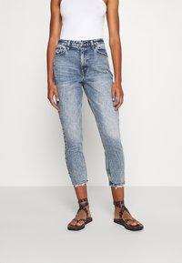 Abercrombie & Fitch - Slim fit jeans - medium destroy - 0