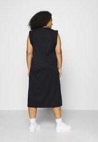 Calvin Klein Jeans Plus - KNOTTED T-SHIRT DRESS - Jerseykjoler - black - 2