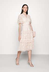 Needle & Thread - FRANCINE DRESS - Occasion wear - strawberry icing - 1