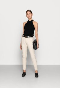 Selected Femme - SLFMILEY - Chinos - birch - 1